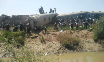 В Египте столкнулись два поезда — погибло не менее 32 человек