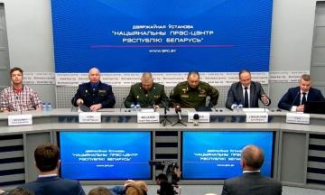 МЗС Білорусі зібрав пресконференцію через посадку літака Ryanair у Мінську. Участь у ній взяв Протасевич