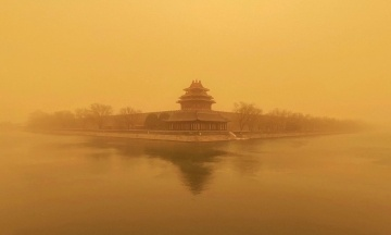 Китай накрила найсильніша за 10 років піщана буря. Скасовано понад 400 авіарейсів