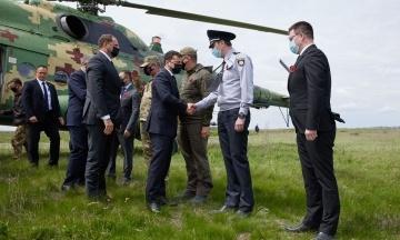 Зеленський разом з послами країн G7 та ЄС прибув на Луганщину