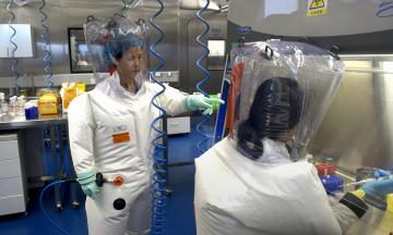 США знову заявляють, що коронавірус міг з'явитись у лабораторії, та починають нове розслідування. Є якісь свіжі факти? Це не конспірологія? Розбір — максимально коротко