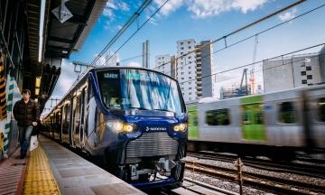 В Японии во время движения поезда машинист вышел из кабины в туалет. Теперь ему грозит наказание