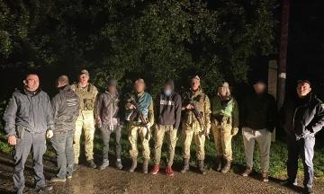 Українські прикордонники за ніч затримали 14 нелегальних мігрантів на кордоні з Угорщиною та Польщею