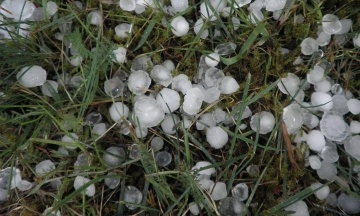 Синоптики попередили про нову атаку негоди: на всій території України очікуються дощі, подекуди з градом