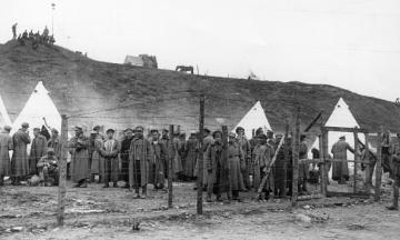 Украинский посол в Германии объявил бойкот выставке о советских военнопленных. У президента ФРГ его раскритиковали
