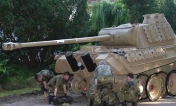У Німеччині хочуть засудити пенсіонера за зберігання у підвалі танку «Пантера» часів Другої світової війни