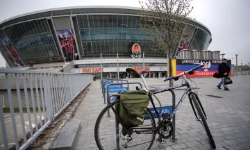 12 лет назад в Донецке открыли «Донбасс Арену». Каким был первый элитный стадион в Восточной Европе и каким он стал за семь лет без футбола — в 20 фото