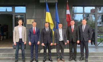 Первое государство Европы открыло консульство на подконтрольном Украине Донбассе