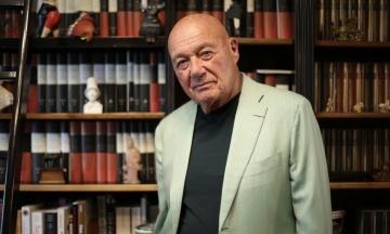 Російського журналіста Познера, якого змусили поїхати з Грузії, ще й оштрафували за порушення карантину