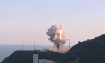 Южная Корея запустила свою первую ракету-носитель