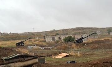 У Нагірний Карабах вирушили 12 літаків з російськими віськовими
