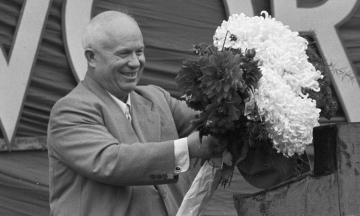68 лет назад Никита Хрущев возглавил Компартию, хотя после смерти Сталина его никто не воспринимал всерьез. Вот как он переиграл своих конкурентов Маленкова и Берию и захватил власть в СССР