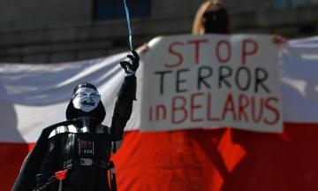 У Білорусі проходять масові обшуки у журналістів незалежних медіа