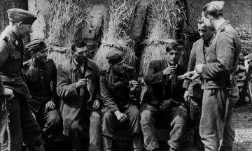 Дивизию СС «Галичина» предлагают отметить на государственном уровне. Она воевала на стороне Третьего рейха? Боролась за независимую Украину? Вот ее непростая история — в вопросах, ответах и архивных снимках