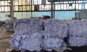 У мережі опублікували фото «знищених» бюлетенів з опитуванням Зеленського. У «Слузі народу» відреагували