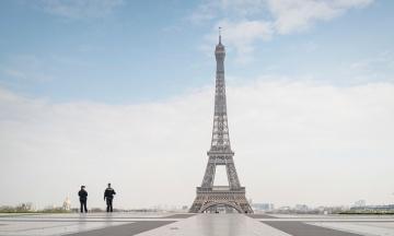 Сенат Франції пом'якшив частину ковідних правил на тлі масових протестів населення