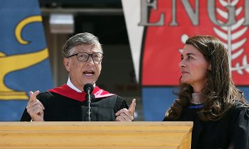 Шлюб Білла і Мелінди Гейтс був на межі розпаду ще близько десяти років тому. А після розлучення Мелінда може обійти ексдружину глави Amazon і стати найбагатшою жінкою світу — за матеріалами NYT