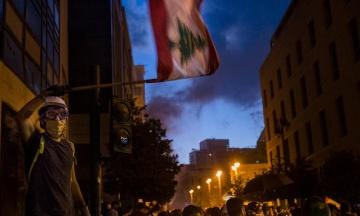 В Ливане протесты из-за усиления карантина. В столицу вывели войска, а полицию забросали боевыми гранатами