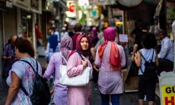 Туреччина виходить зі Стамбульської конвенції щодо захисту жінок. У партії Ердогана заявляли, що вона «суперечить цінностям країни»