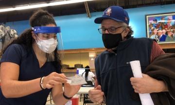 Нью-Йорк платитиме по $100 за перше щеплення від коронавірусу