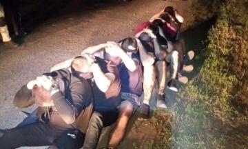Розстріл автобуса в Харківській області: суд заарештував шістьох підозрюваних