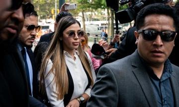 В США задержали жену наркобарона «Эль Чапо» по подозрению в организации наркотрафика