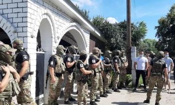 У селі на Харківщині сталися сутички між місцевими та ромами. Поліції довелося евакуювати останніх