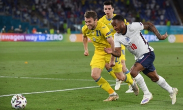 Ех! Україна розгромно програла Англії у чвертьфіналі Євро-2020 і вибула з турніру. Ось як ми намагалися і не змогли — скоріше б це забути