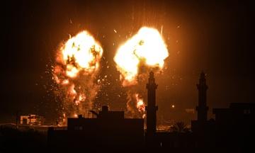 Израиль разбомбил оружейный цех ХАМАС в секторе Газа. Это был ответ на шары со взрывчаткой