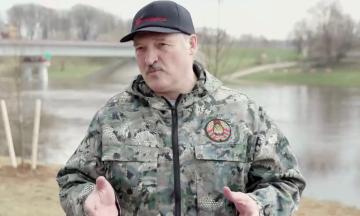 Лукашенко дозволив залучати армію для придушення «масових заворушень»