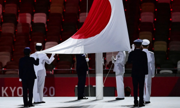 В Токио открылась «ковидная» Олимпиада-2020. Церемония прошла на пустом стадионе, под которым протестовали. Но фотографии все равно красивые — срочно посмотрите!