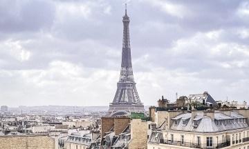 Ейфелева вежа знову відкрилася для туристів. Її простій був найдовшим з часів Другої світової війни