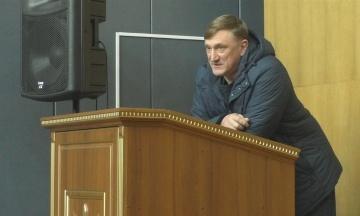 ЦВК зареєструвала народним депутатом Андрія Аксьонова. Його звинувачували в організації «референдуму» на Донбасі