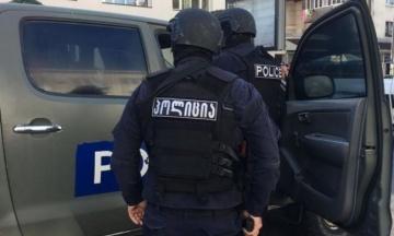 Поліція Тбілісі затримала чоловіка, який захопив заручників. Усіх звільнено