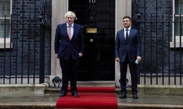 Зеленський перед самітом НАТО поговорив із прем'єром Британії Джонсоном