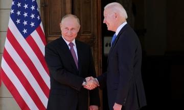Лідер республіканців розкритикував Байдена за «слабкість» позицій на саміті з президентом РФ