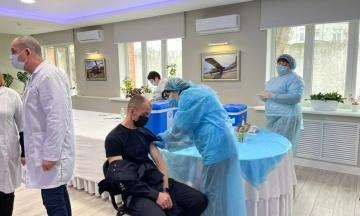 В Україні стартувала вакцинація правоохоронців дозами Sinovac і Pfizer. Щеплення отримають близько 800 тисяч осіб