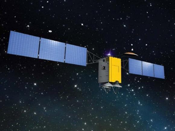 <p>Запустив спутник «Лыбидь», Украина собиралась создать собственную, независимую систему спутниковой связи. Госпредприятие «Укркосмос» заказало изготовить спутник в 2007 году канадскому подрядчику, чтобы в 2014-м запустить с Байконура. Сроки изготовления сорвали, из-за аннексии Крыма подрядчик объявил форс-мажор, начались суды. Недостроенный спутник уже пять лет лежит на складе в России. На этот проект «Укркосмос» взял кредит в 292 миллиона долларов под гарантии правительства. На его погашение бюджет уже потратил шесть миллиардов гривен. Из этого кредита 31 миллион долларов госпредприятие «потеряло» в Диамантбанке, который ликвидировали в 2017 году. Банк принадлежал бизнесмену Игорю Керезю, существенными долями владели народные депутаты Давид Жвания и Николай Мартыненко.</p>