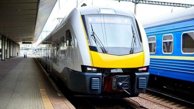 Проект City Express: «Укрзалізниця» тестирует поезд Stadler FLIRT для пригородного сообщения