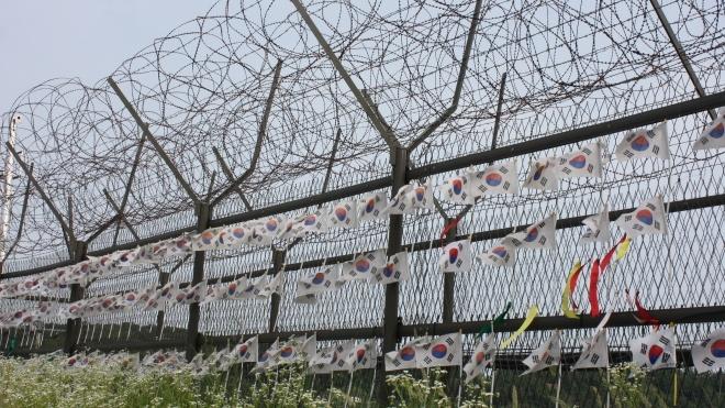Гімнаст із КНДР зміг утекти через кордон до Південної Кореї. Він перестрибнув через триметровий паркан