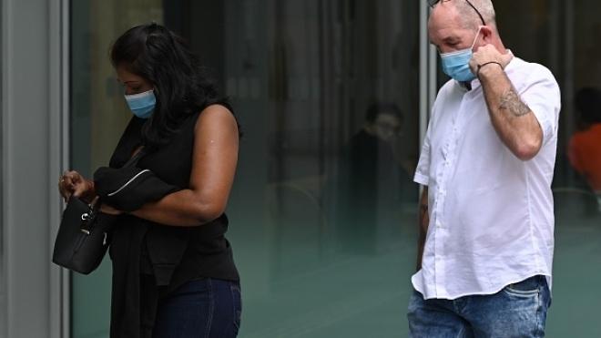 У Сінгапурі британець порушив карантин, щоб зустрітися з нареченою. Тепер пара відсидить у в'язниці