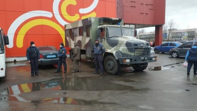 У Миколаєві один із ринків відмовився припиняти роботу попри карантин. Владі довелося залучати Нацгвардію
