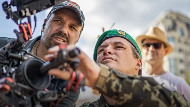 Ахтем Сеитаблаев снимает фильм о Луганском погранотряде, который в июне 2014-го двое суток отбивал атаку пророссийских боевиков. Что происходит на сьемочной площадке? — репортаж без спойлеров