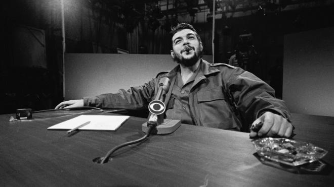 54 года назад боливийский сержант застрелил Че Гевару. Кто это — романтик-революционер, безжалостный палач или просто рисунок на футболке? Десять самых внезапных цитат о Че Геваре