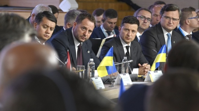 Зеленский призвал Россию исправить историческую ошибку и подписать декларацию об осуждении аннексии Крыма
