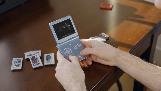 «Тенет» Кристофера Нолана можно посмотреть на карманной консоли Game Boy. Лента помещается на пяти картриджах