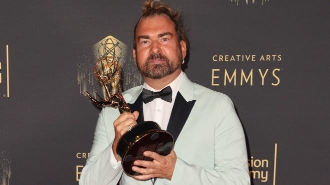 Від коронавірусу помер стиліст серіалу «Бріджертони» Марк Пілчер. Він був лауреатом «Еммі»