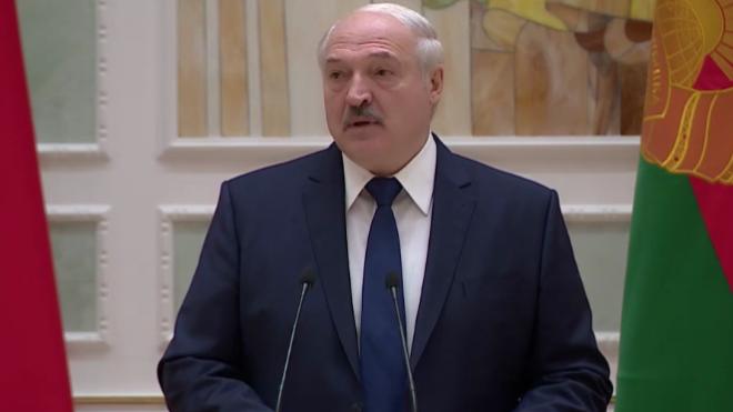 Лукашенко запретил ввозить товары из стран, которые ввели санкции против его окружения