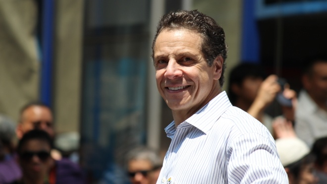 Прокуратура штата обвинила губернатора Нью-Йорка в сексуальных домогательствах. Байден требует его отставки