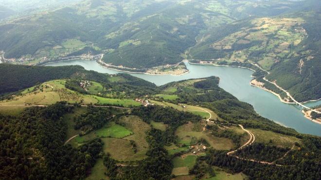 Озеро на кордоні Косова та Сербії можуть назвати на честь Трампа. Він допоміг країнам укласти угоду про економічну співпрацю